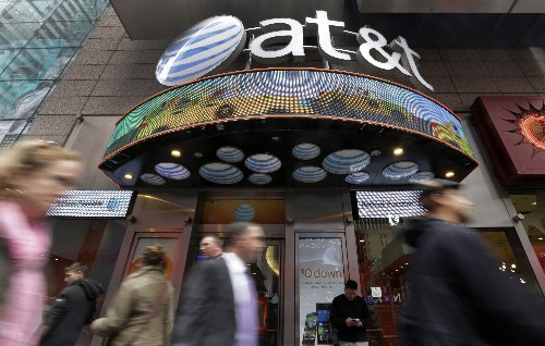 Oprah and CNN: AT&T is merging media business with Discovery