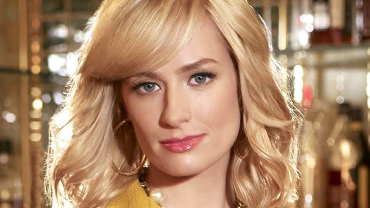 The Truth About The Girl Who Played Caroline On 2 Broke Girls