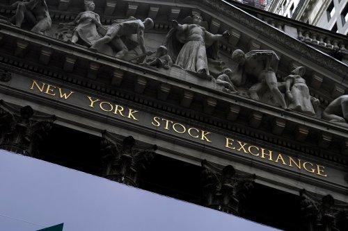 Tech slide hits Wall Street as coronavirus cases spiral