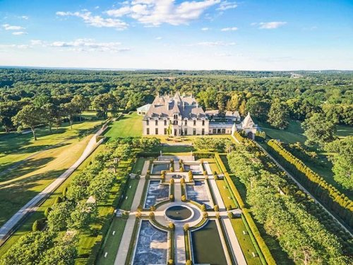 THE MOST IMPRESSIVE HISTORIC HOUSES IN AMERICA