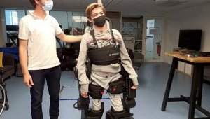 Father Builds Robotic Exoskeleton for Paralyzed Son to Stand Up and Walk