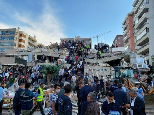 Terremoto di magnitudo 7.0 nell'Egeo, quattro morti in Turchia