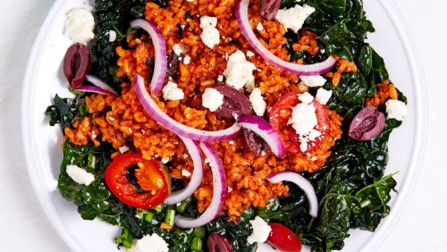 Get Cozy And Comfortable With This Warm Tomato Fried Rice Salad