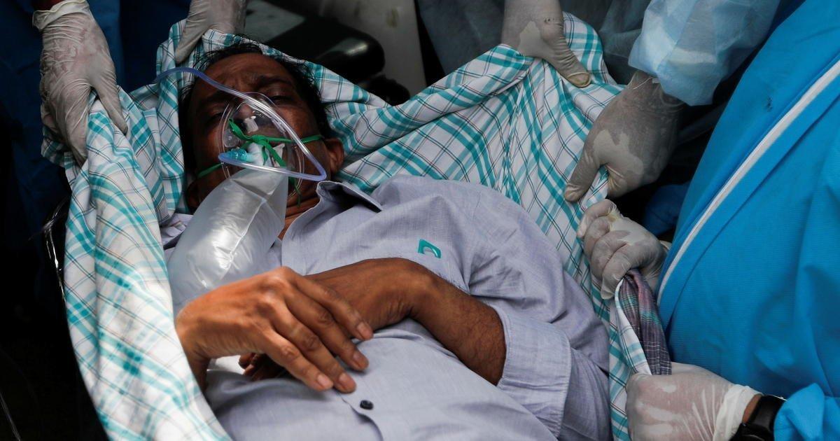 India scrambles to contain COVID crisis amid scarce vaccines