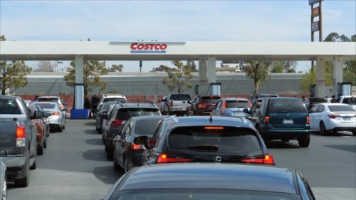 Gas lines form at Central Florida stations, even though experts say there's plenty of fuel
