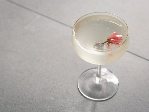 20 bright, refreshing spring cocktails to welcome the season
