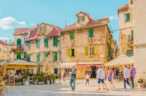 WHY THIS LITTLE KNOWN CITY IN CROATIA SHOULD BE ON YOUR BUCKET LIST