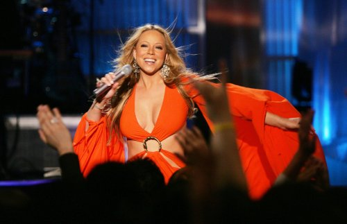 Mariah Carey's near-identical daughter makes modeling debut