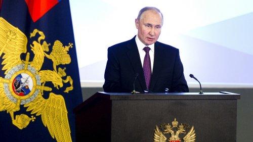 Russia Threatens Retaliation Over Sanctions