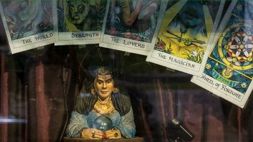 Tarot Cards Aren't Meant to Tell Your Fortune, Here's How They Work