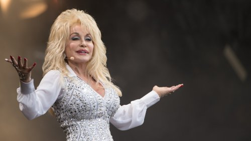 A stunning Dolly Parton recreated her famous 'Playboy' cover for her husband