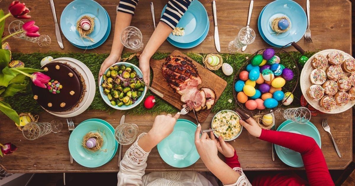 Easter Store Hours + Restaurants Open on Easter