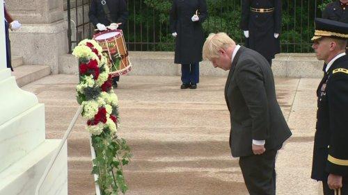 Boris Johnson attends ceremony at Arlington Cemetery