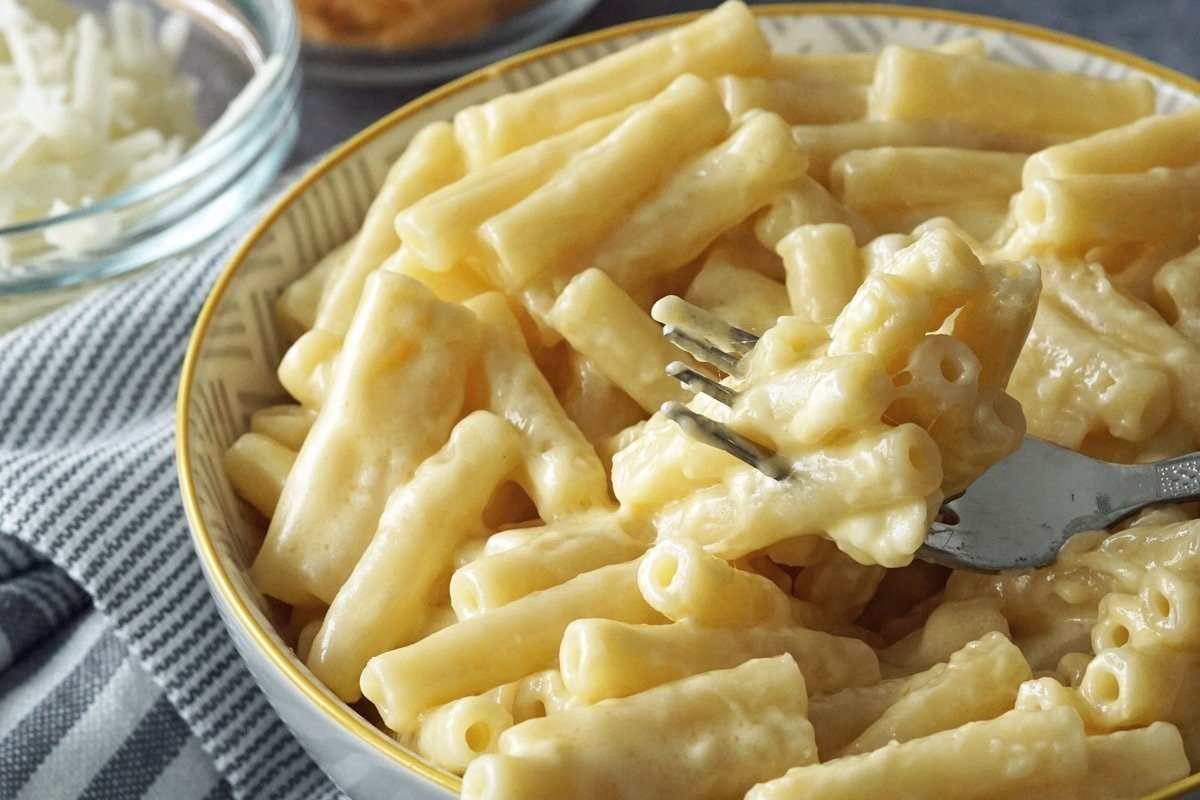 The Creamiest Mac & Cheese Recipe and What To Serve With It.