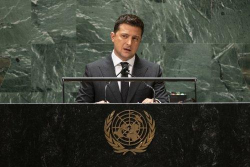 Ukraine's leader takes UN to task as 'retired superhero'