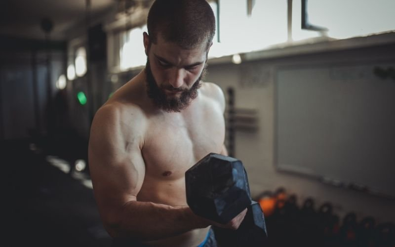 You're Missing Out If You're Not Doing These Dumbbell Exercises, Say Trainers