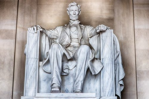MOST FAMOUS STATUES IN THE WORLD