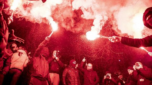 Hundreds of Danes protest against COVID restrictions in Copenhagen