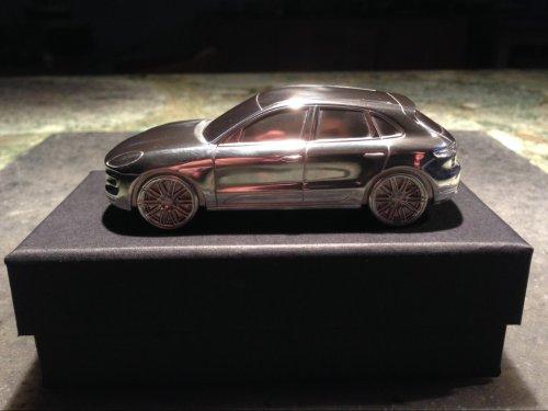 Magazine - Porsche Macan