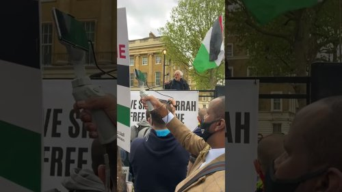 Jewish man gives passionate speech at 'Free Palestine' protest in London