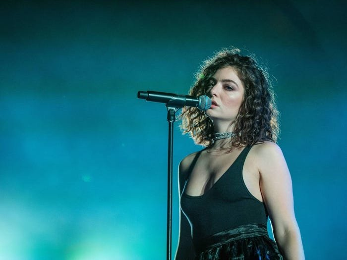 THIS IS WHY YOU NO LONGER HEAR ABOUT LORDE ANYMORE