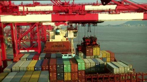 Maersk: bottlenecks hit soaring cargo demand