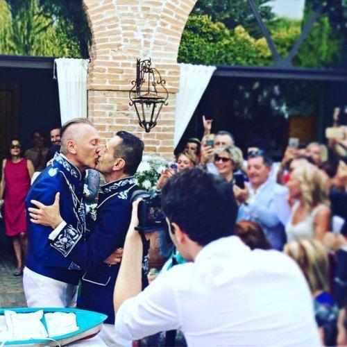 20 anni fa si celebrava il primo matrimonio omosessuale