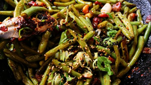 The Garlic Is Non-Negotiable In These Stir-Fried Green Beans