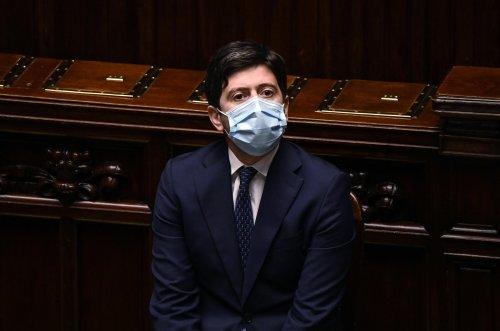 Roberto Speranza alla Camera: cos'ha detto il ministro sui vaccini