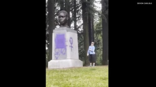 KK-Karen Vandalizes Statue of Only Black Person to Travel With Lewis and Clark