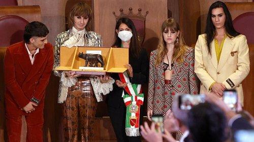 Eurovision winning Italian rock band Maneskin honoured by the mayor of Rome