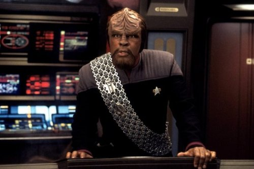 Michael Dorn's Captain Worf Star Trek Series Gets Support & More Trek News