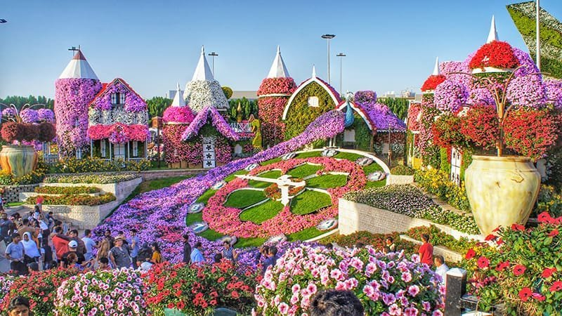 THE MOST IMPRESSIVE GARDENS IN THE WORLD