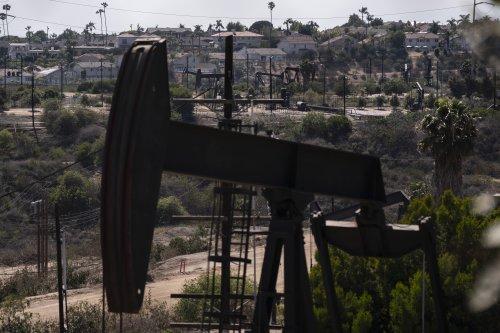 California oil regulators delay health, safety rules again