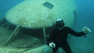 Must See! Freediving Photographer Chronicles Descent Into a Sunken Airplane