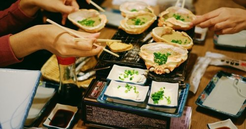Japanese Food Etiquette: The Dos And Don'ts Of Dining In Japan