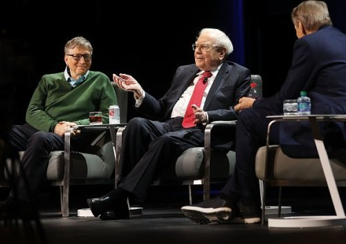 The 'two list rule' Warren Buffett uses to accomplish his goals