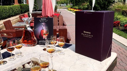 Yachting Cruises Manhattan With Hennessy