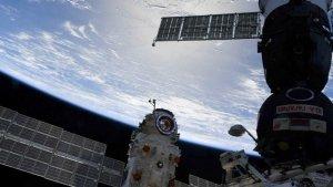 Surprise Thruster Firing Puts ISS Orbit, 7 Crew Members in Peril 250 Miles Over Earth