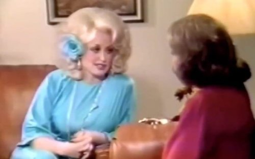 That time Dolly Parton destroyed Barbara Walters for insulting her looks
