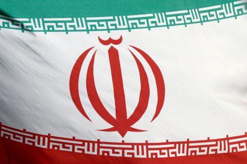 مسؤول أوروبي: إيران وأمريكا وقوى عالمية تعمل على إحياء الاتفاق النووي بحلول يونيو