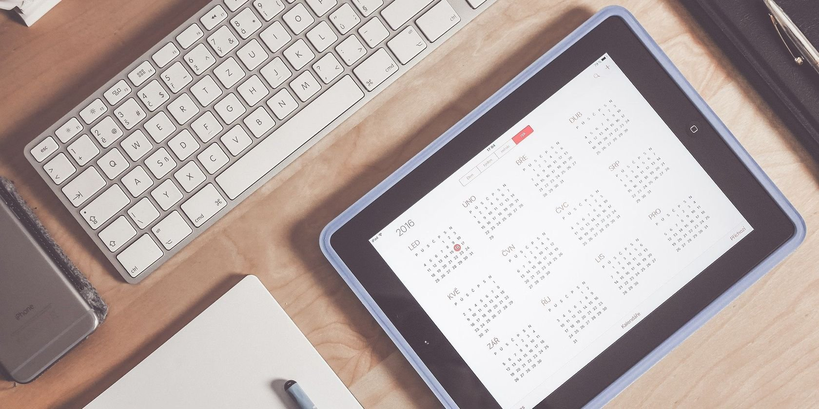 Must-Have Apps and Accessories to Turn Your iPad Into a Productivity Powerhouse