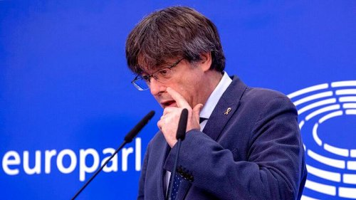 Carles Puigdemont vows to keep fighting after MEPs vote to lift his immunity