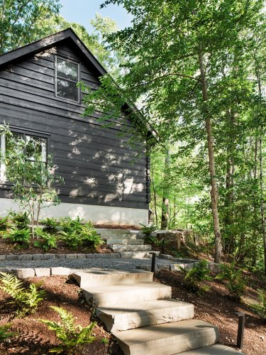 This Georgia cabin's steel-and-glass-lined porch is a reminder to unplug