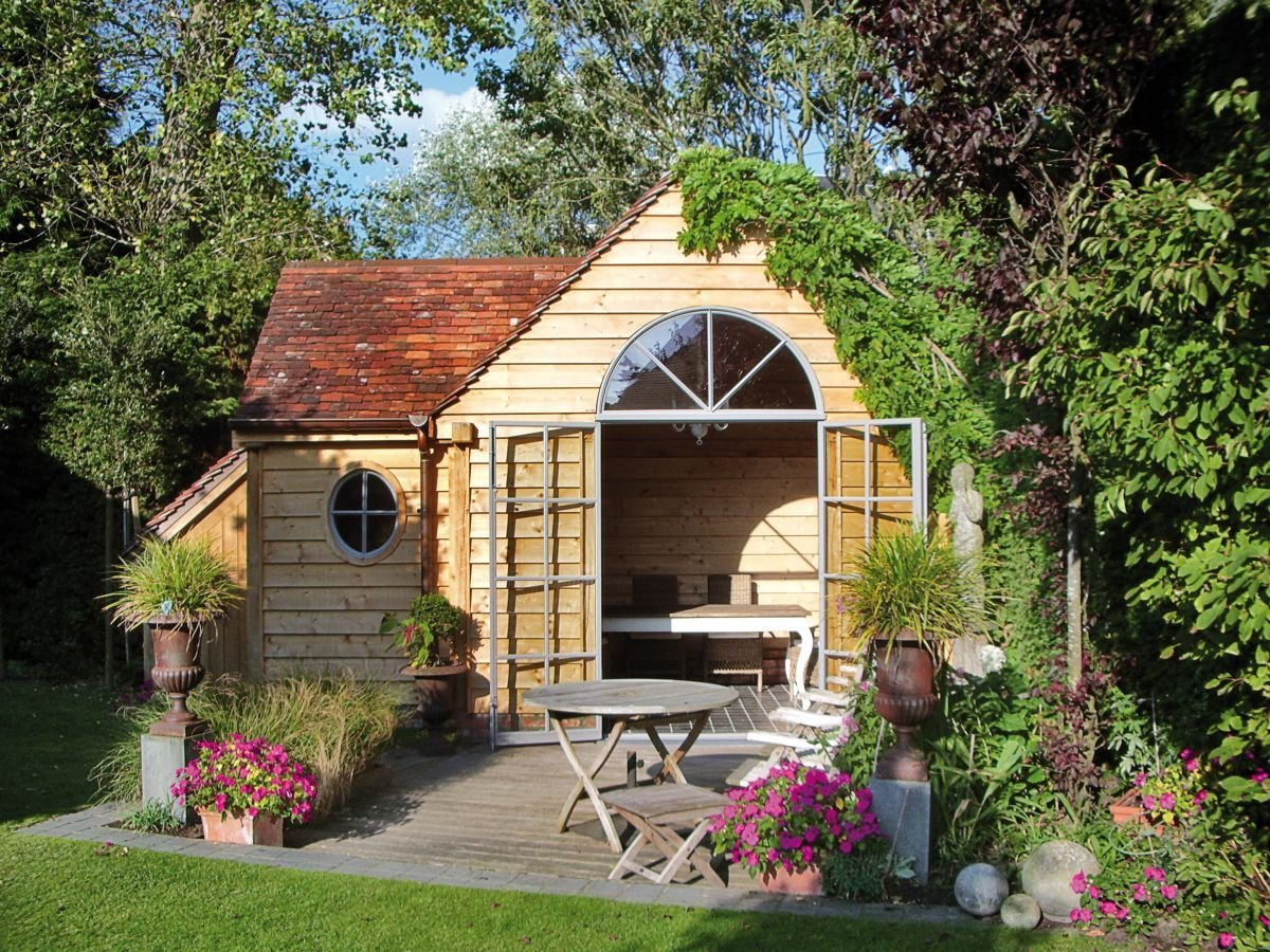 Our guide to garden rooms, summer houses and outbuildings