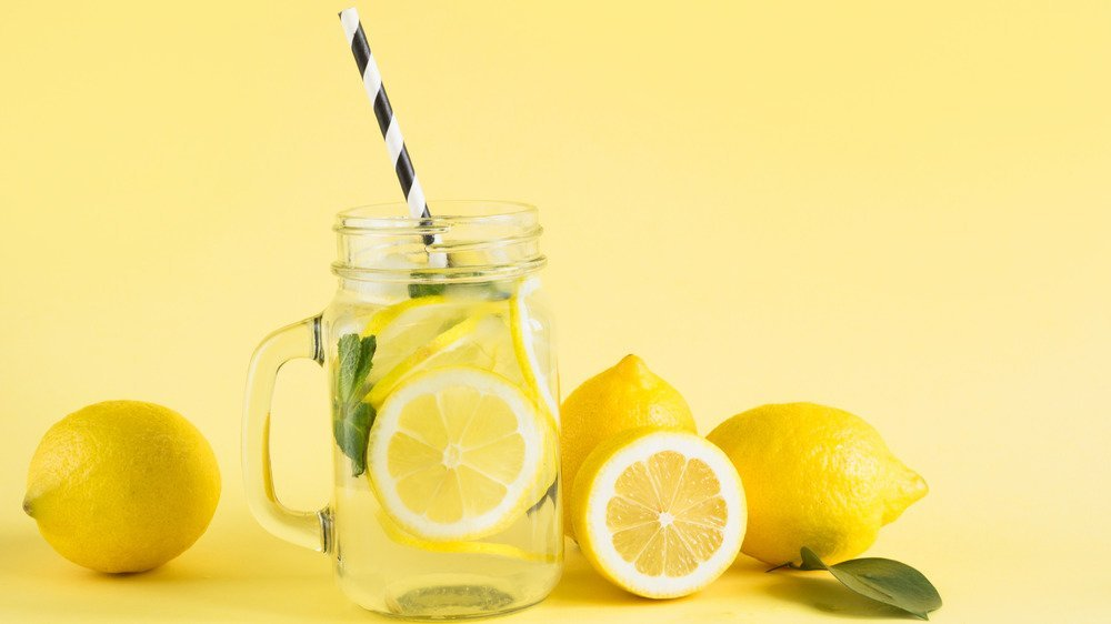 This Is What Happens When You Drink Lemon Water Every Day