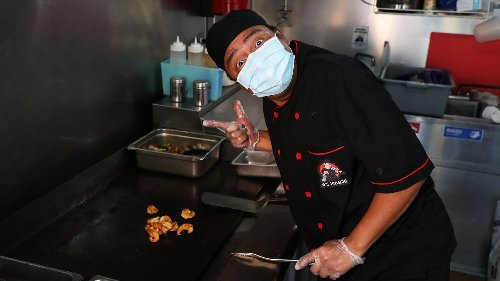 G's Hibachi serves up character and comedy | Let's Go, South Florida