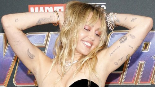 Miley Cyrus Bares All With Cheeky Selfies