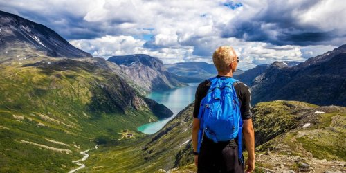 9 Must-See Apps For Hikers