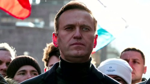 Navalny's daughter: 'Allow a doctor to see my dad'